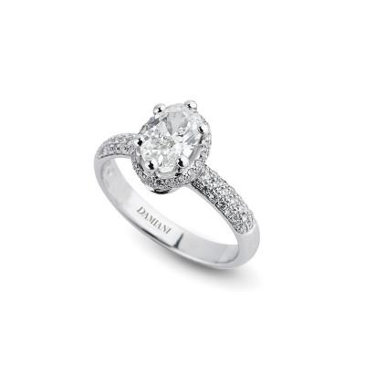 Anello di fidanzamento in oro bianco con diamante Ovale