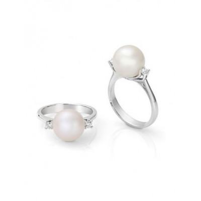 Anello in oro bianco con diamanti e perla
