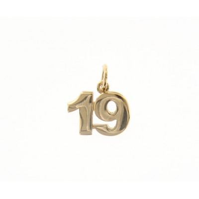 Ciondolo in oro numero 19