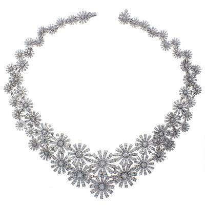 Collana Margherita in oro bianco e diamanti