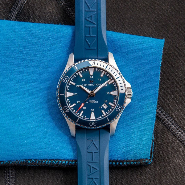 khaki navy scuba blu