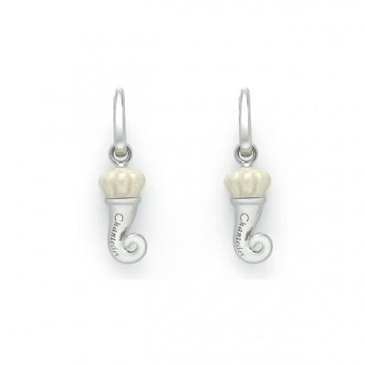 Orecchini a forma di Cornetto in smalto bianco perlato